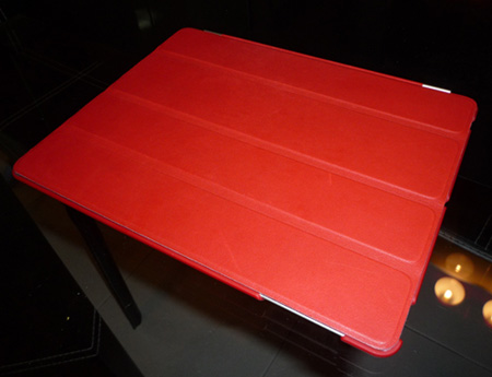 iPad2 in gorgeous red - the smart cover + back cover case costs me more than RM400!